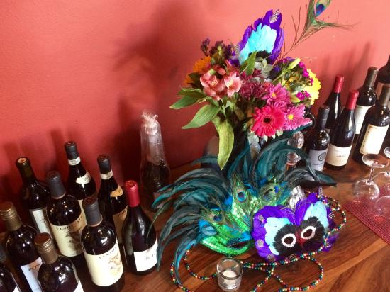 Freeland, WA: Mardi Gras at Glass Alley Cafe