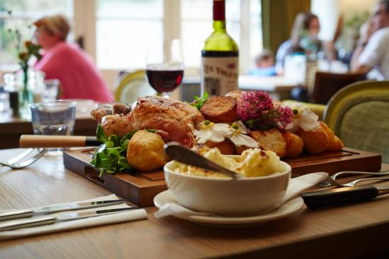 Bledington, UK: Roast to share