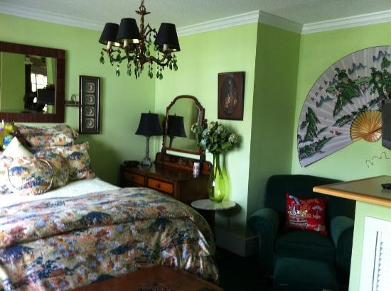 Clair's Bed & Breakfast: The Jade Suite