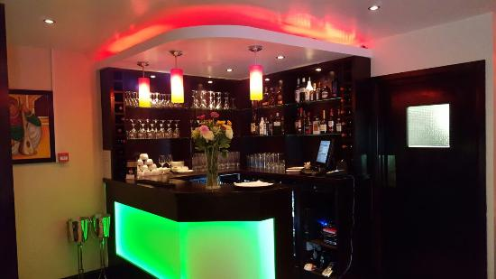 Virginia Water, UK: Bar