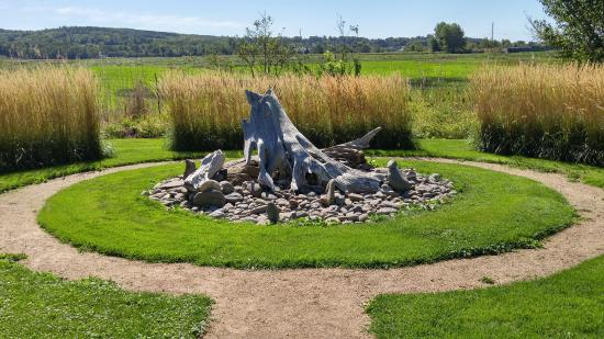 Beautiful pathways picture of annapolis royal historic for Driftwood sculptures for garden