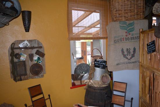 Saint Die des Vosges, Frankrike: Décoration sympas à l'intérieur.... A découvrir....