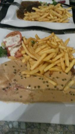 Pont-l'Abbe, Frankrike: La qualiter vaut la quantiter et le prix un repas merveilleux