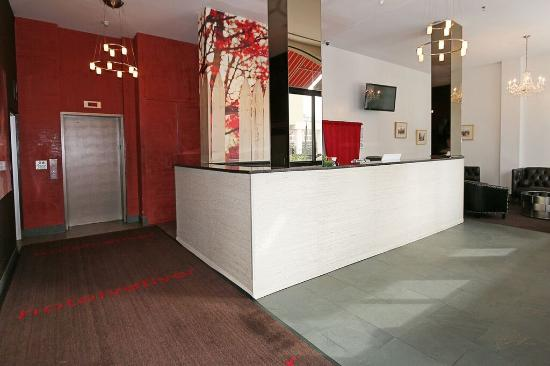 Hotel Vetiver: Front Desk