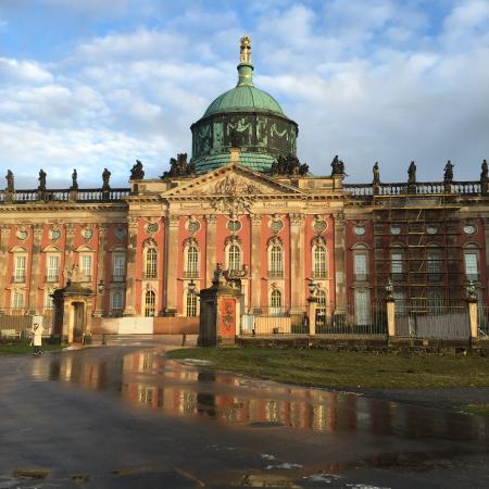 Sanssouci Palace: Gorgeous place and the tour was spectacular.