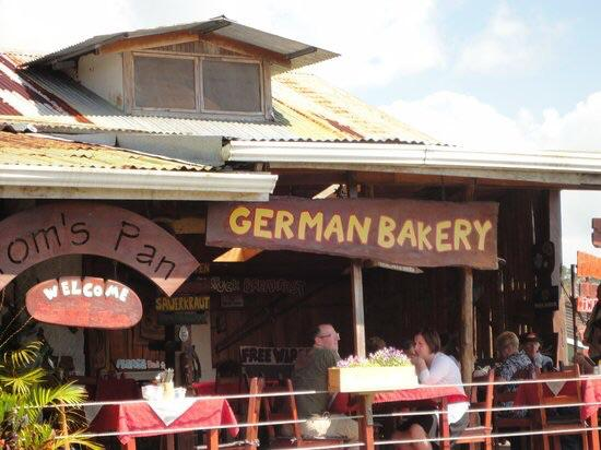 Nuevo Arenal, كوستاريكا: Get some bread to go