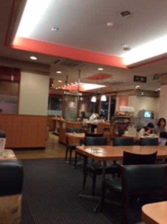 Denny's Fujisawakitaguchiten: 店内の様子
