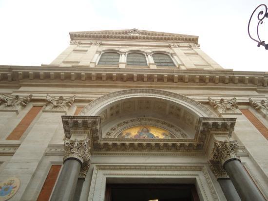 Basilica Del Sacro Cuore Di Gesu