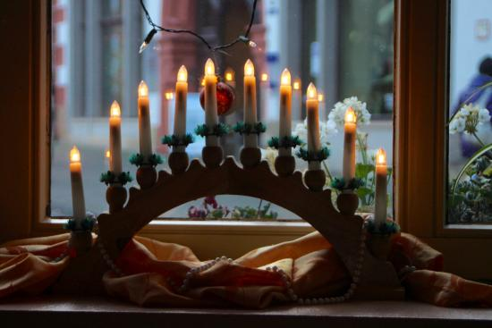 Gotha, Γερμανία: since it was Christmas time, the seasonal decoration in our dining room,