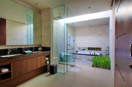 Pradha Villas: Luxury Bathroom