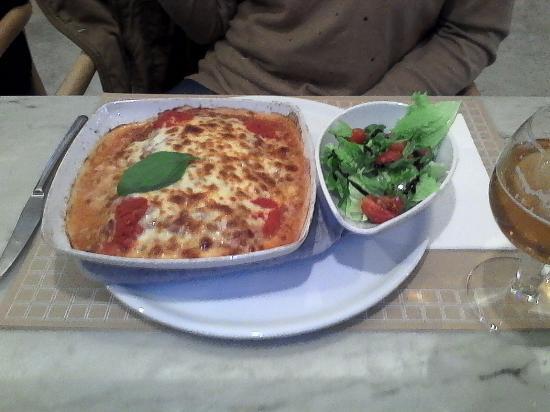 Valenca, Portugal : lasagna