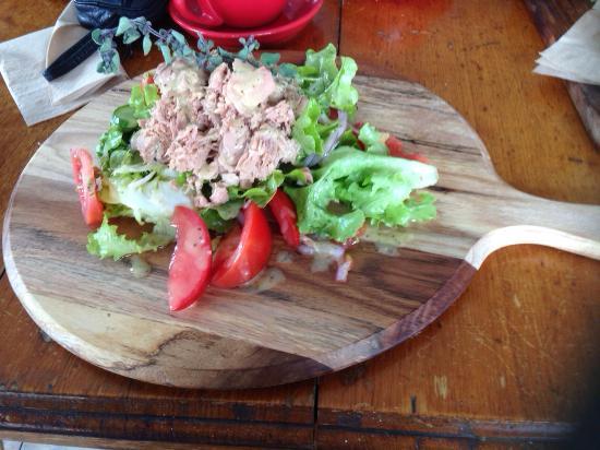 Bankstown, Australie : Yummy tuna salad, well presented