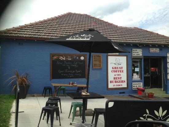 Bankstown, Australia: The Shop @ Picnic Point, eat in or outside, or take away