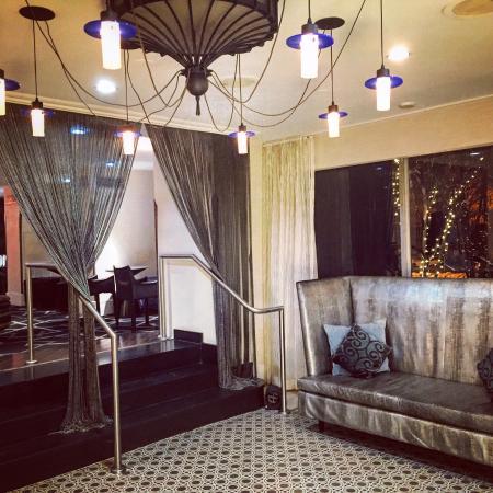 Topaz, a Kimpton Hotel: Double, nook, yoga mat, hall, lobby, damaged door