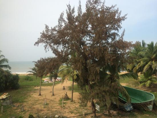 Oshin Beach Hotel