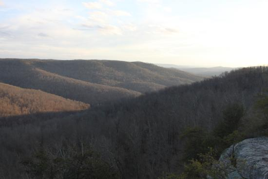 Monterey, TN : Southern view of the surrounding valley