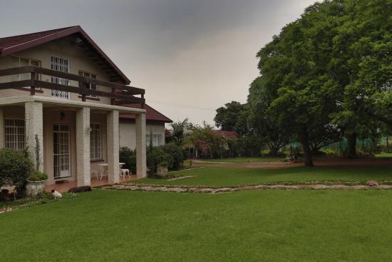 Piet Retief, Afrika Selatan: Grounds