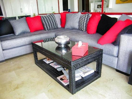 table basse en pneus recycl s upcyclemo picture of kasbat souss agadir tripadvisor. Black Bedroom Furniture Sets. Home Design Ideas