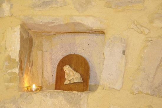 Arcidosso, Italien: nella camera bordeaux...