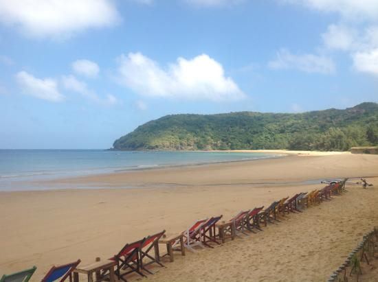 Кон-Сон, Вьетнам: Dam trau beach