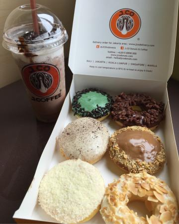 J.Co Donuts & Coffee : photo0.jpg