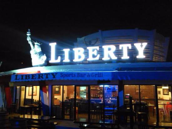 Liberty Sports Bar: Night time view