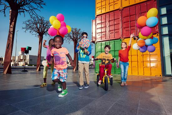 Dubai, United Arab Emirates: Kids having fun in Box Park