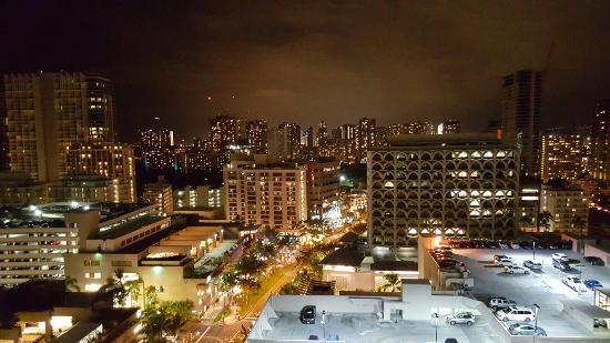 Sky Waikiki: 20160128_191113_large.jpg