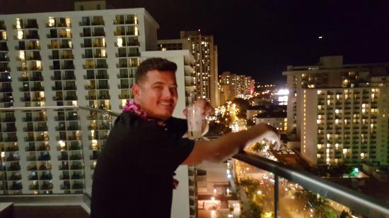 Sky Waikiki: 20160128_190208_large.jpg
