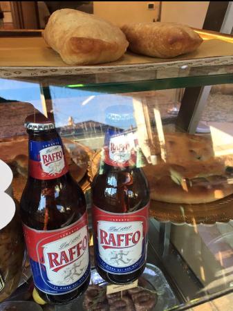 Capriolo, Italien: un classico........birra RAFFO e PANZEROTTO FRITTO