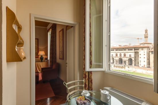 cucina con vista - Picture of Family Apartments Rinascimento ...