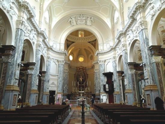 Galleria del Chiostro della S.S. Annunziata