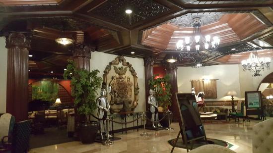 Camelot Hotel: 20160201_231946_large.jpg