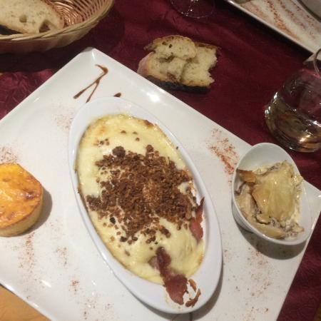 Aranc, Francia: Escalope de veau noyée dans la béchamel, immangeable