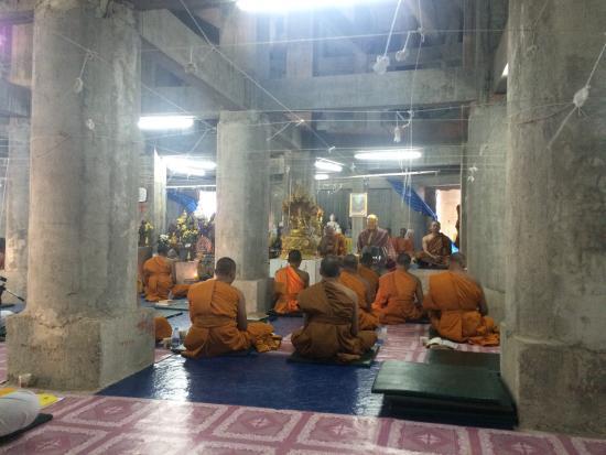 Chalong, تايلاند: Большой Будда
