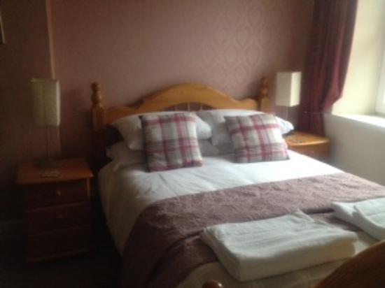 Langholm, UK: Double Room with en- suite shower