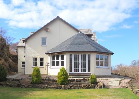 Dervaig, UK: Garden View of Killoran House
