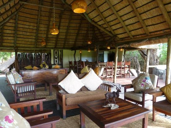 Elephant Valley Lodge: Comfortable lounge