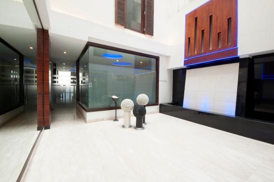 Hotel Comfort Zone : Lobby