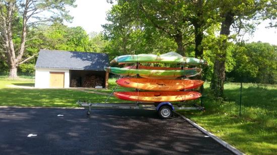 Moelan sur Mer, Frankrike: Les kayaks de mer vous attendent