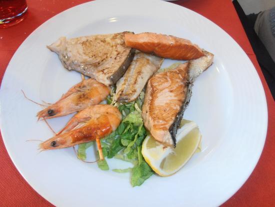 Omegna, Italien: pesce
