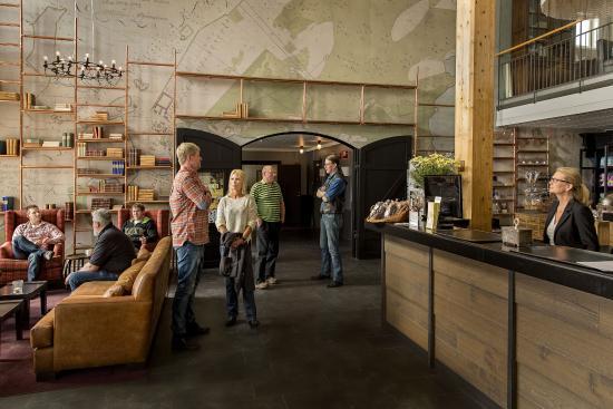 Sandviken, Szwecja: Lobby
