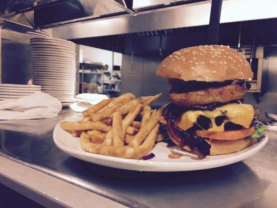Sutter Creek, Californie : Bella Burger