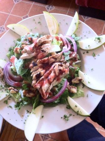 Sutter Creek, CA: Chicken Apple Salad