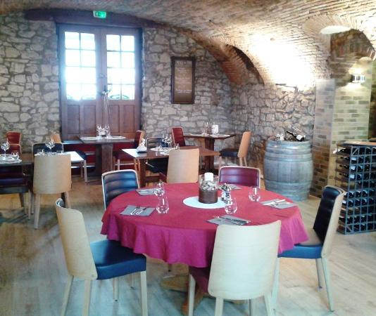 Apremont, فرنسا: Salle du restaurant