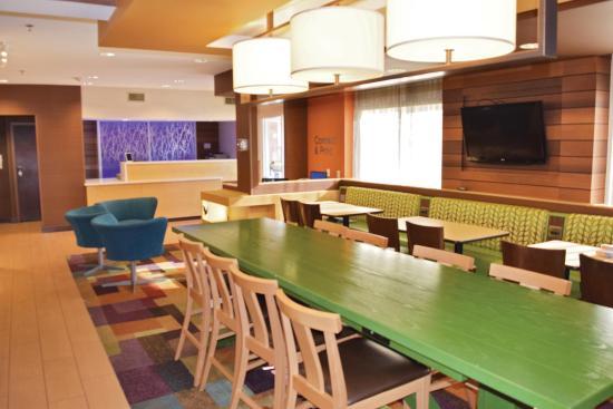 La Quinta Inn & Suites Manassas: Breakfast Area