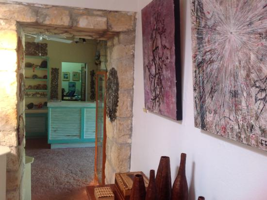 Freetown, Αντίγκουα: Art gallery entrance