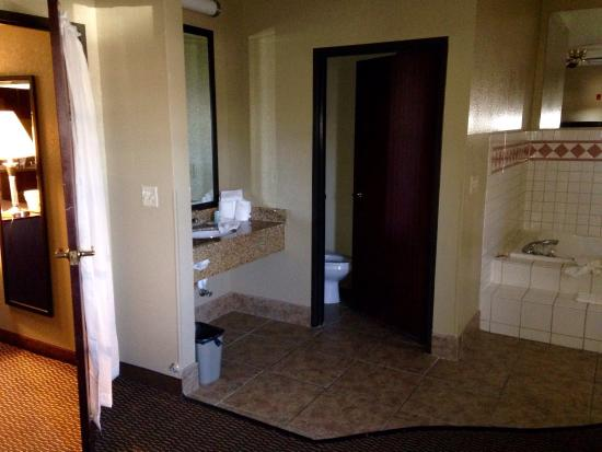 photo3 jpg picture of quality suites addison dallas addison rh tripadvisor com