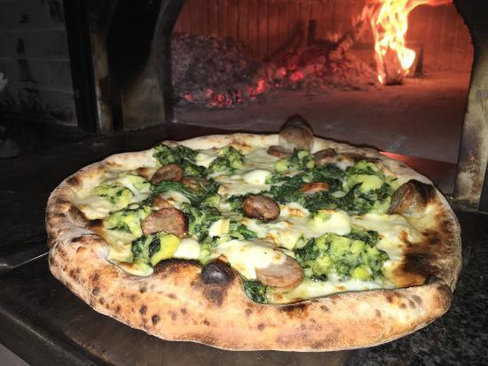 Mercogliano, Italia: PIZZA CON RAPE E PATATE