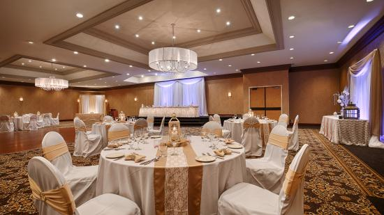 Quality Inn & Conference Centre: The Burgundy Ballroom